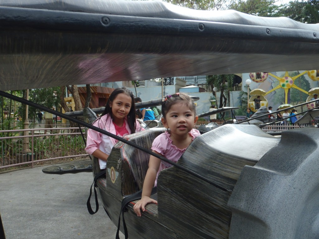 Baby riding with what's actually her tita.