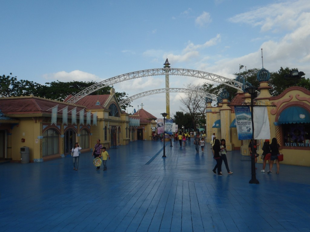 Took a snap of the pathway that leads towards the entrance. I just realized we did EK counter-clockwise.