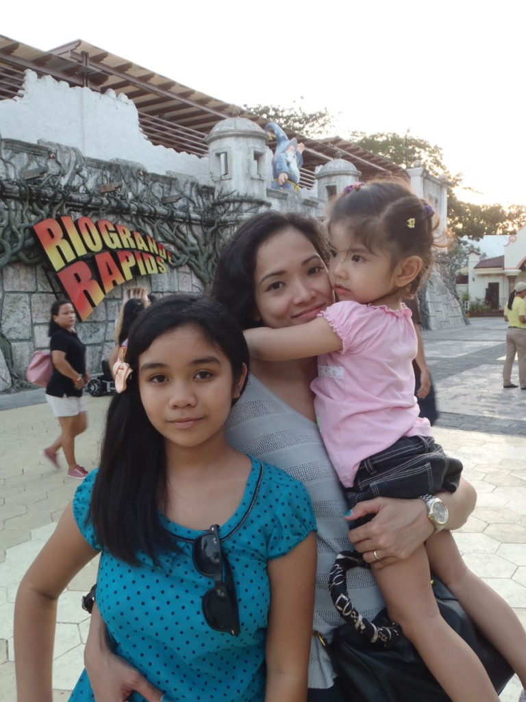 This, by the way, is Sam, my wife's half-sister's half-sister. She's 100% Fil but does not speak an ounce of Filipino (not even English). Born and raised in Japan. Poor little girl could not understand anyone.